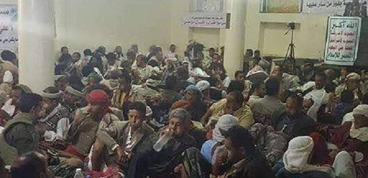 The militia turns a mosque in Al-Jubn into a hall for chewing qat