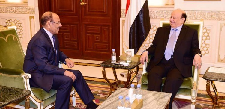 President Haid briefed by (Lt Gen) Mohsen on front-lines combat operations