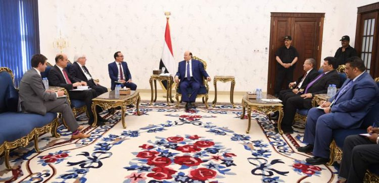President Hadi receives UN Envoy on latest developments