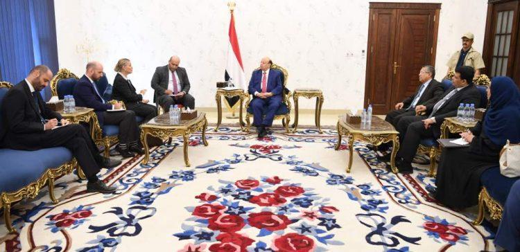 Hadi receives the UN Humanitarian Coordinator in Yemen