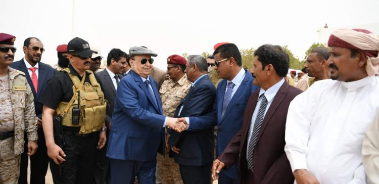 President Hadi lays foundation stones for several projects in Al-Maharah