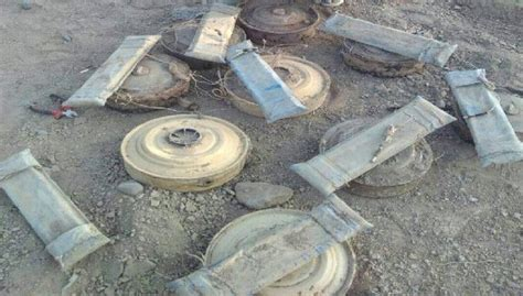 (Masam) team destroys 450 landmines in Aussailan of Shabwah