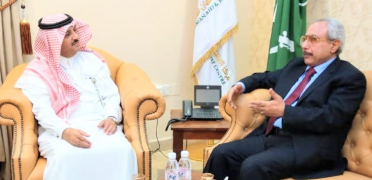 Yemeni consul in Jeddah follows situations of wounded Yemenis in Saudi Hospitals