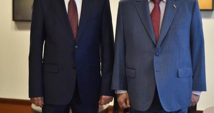Al-Sa'adi sworn in before President Hadi as representative for Yemen in UN