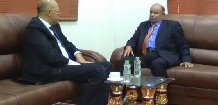 Taiz Governor discuss with Dep. Premier challenges facing local authorities