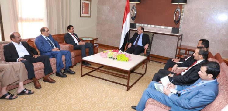 VP, Shabwah Governor discuss situations in the province