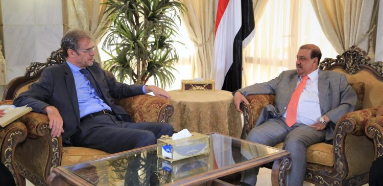 Parliament Speaker meets with French Ambassador to Yemen