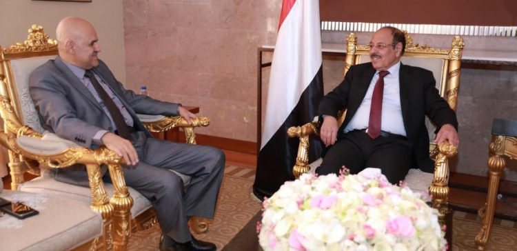 Vice President follows development in Taiz
