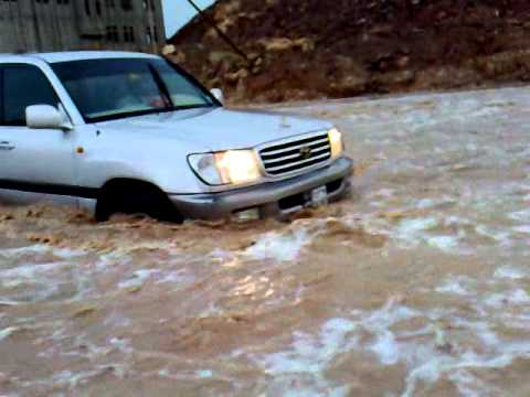 Teenager killed, another missing in Shabwa torrential rains