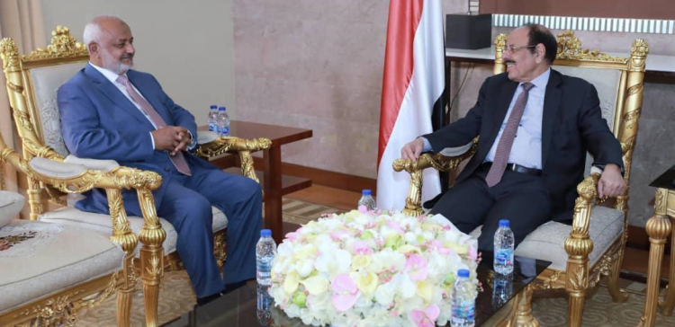 VP, Hodeidah Governor discuss developments in the Governorate