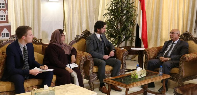 Local Authority Minister, UK diplomat discuss supporting livelihood's projects in Yemen