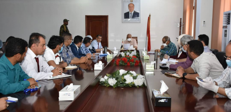 Taiz governor, int'l organizations discuss challenges facing province