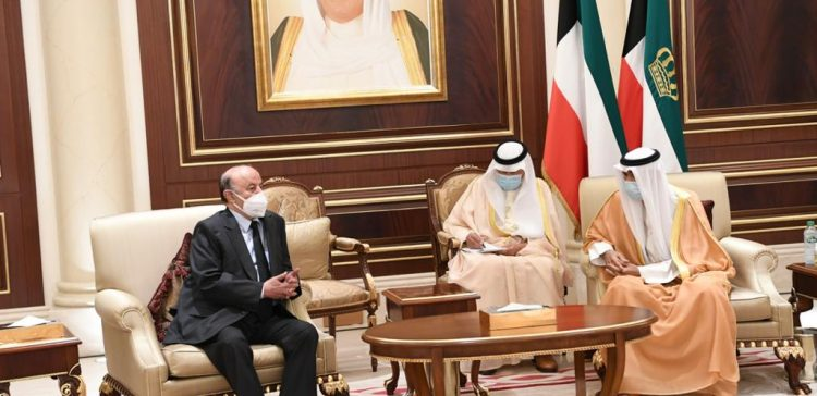 President Hadi in Kuwait for condolences on emir's death