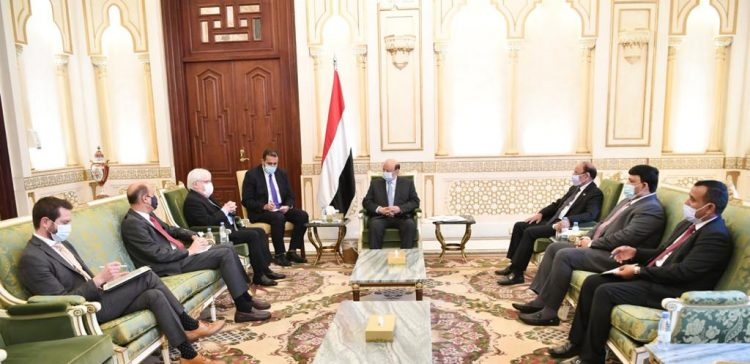 President Hadi receives the UN's envoy to Yemen