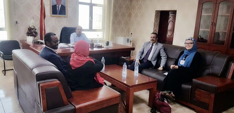 Human rights minister discusses with ICRC situations in Marib