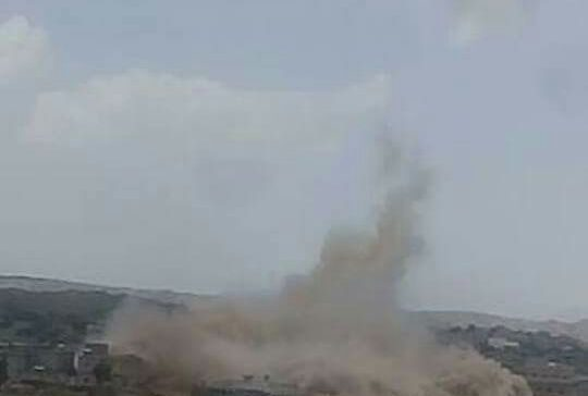 Houthi militias blow up citizen's house, kidnap villagers in al-Bayda