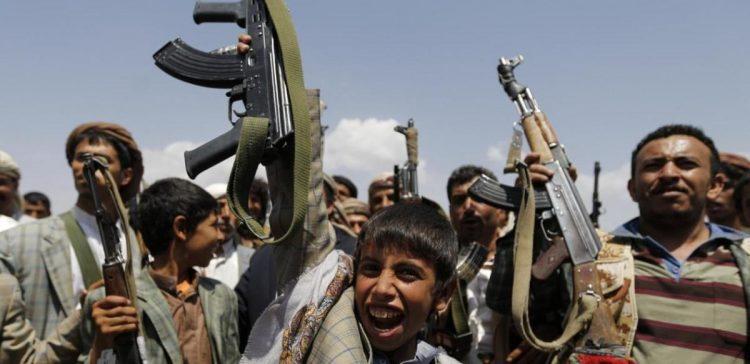 Houthi-Saleh militias forcibly displace 117 families west of Taiz