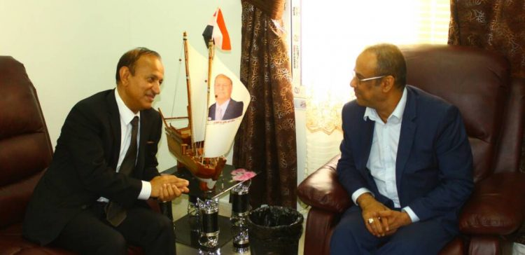 Minister of Interior discusses Taiz situations with governor
