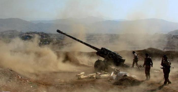 Army's artillery bombs Houthi militia in Taiz