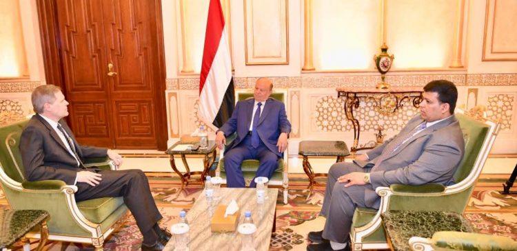 Hadi hails US-Yemeni cooperation to counter threats besetting Yemen and the region