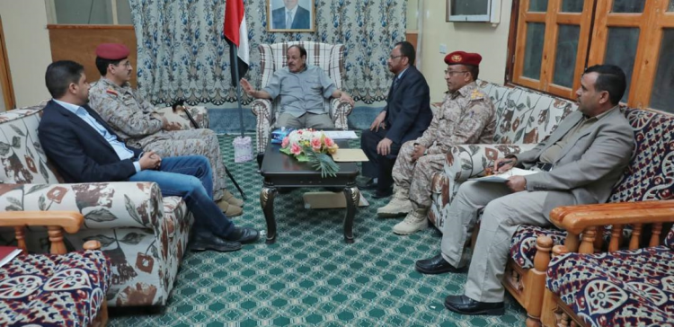 VP meets with military medical committee in Taiz