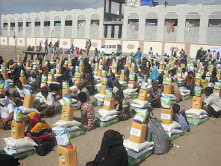 DRA distributes 223 food parcels to displaced people from Hodeida