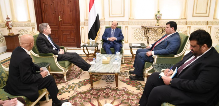 Hadi praises US constant support to Yemen