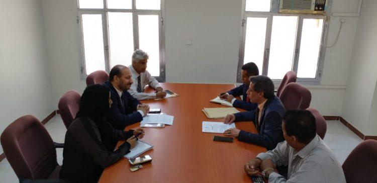 Al-Aweg, Al-Ashwal discuss Kuwaiti funded projects worth $ 60 million