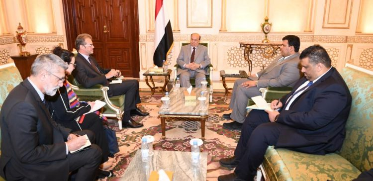 President Hadi receives French Ambassador to Yemen