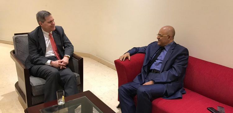 Taiz Governor, US Ambassador discuss Stockholm agreement on lifting Taiz siege