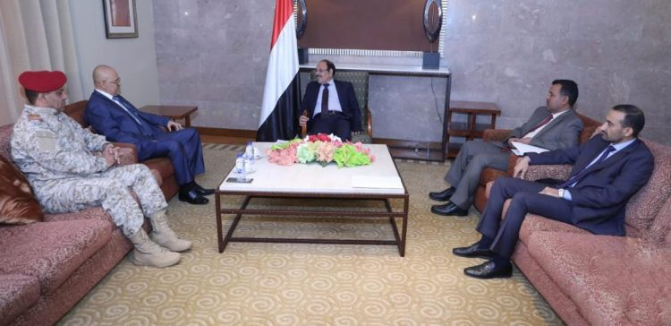 VP, Taiz governor discuss developments in the governorate