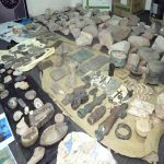 Houthi leaders loot historical artifacts in Sana'a