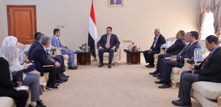 PM, WHO Regional Director discuss Yemen's health sector issues