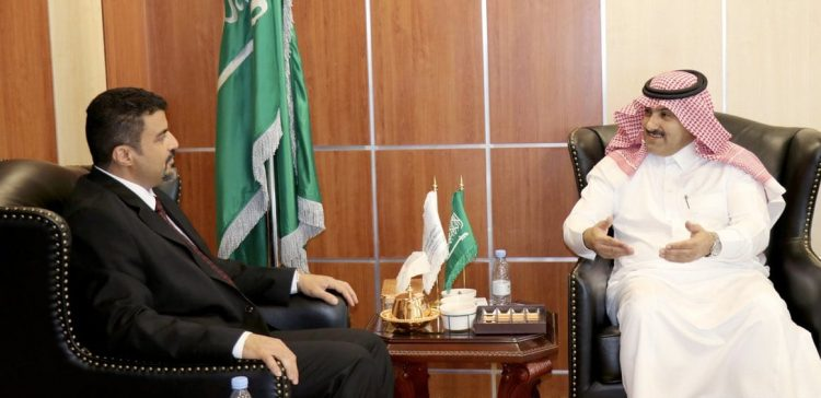 Aden governor, Saudi ambassador discuss support of service projects