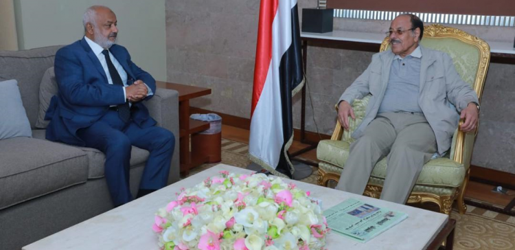 Hodeidah Governor reports to VP about situations in the province