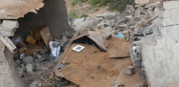Houthi militia shells residential neighborhoods in Hodiedah