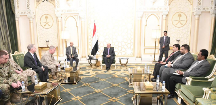 President Hadi receives Commander of the American Central Command