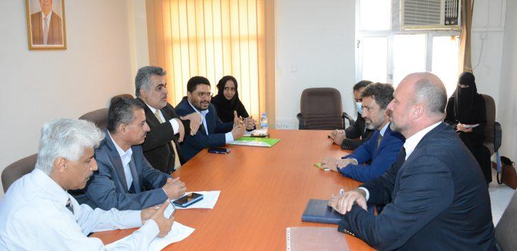 Planning ministry, OCHA discuss alleviating human suffering over war in Yemen
